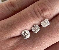 Vývoj cen čirých diamantů 26.6.2020 - 25.6.2021
