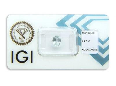 akvamarín 0.97ct very light blue s IGI certifikátem