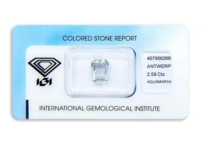 akvamarín 2.59ct light greenish blue s IGI certifikátem