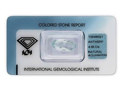 akvamarín 4.66ct very light blue s IGI certifikátem