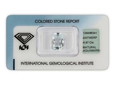 akvamarín 4.87ct very light blue s IGI certifikátem