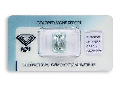 akvamarín 6.66ct light blue s IGI certifikátem