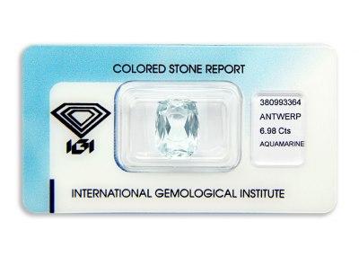 akvamarín 6.98ct light bluish green s IGI certifikátem