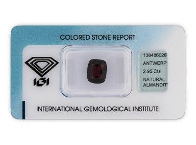 almadin 2.95ct dark purple red s IGI certifikátem