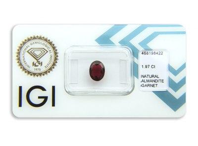 almandin 1.97ct deep reddish purple s IGI certifikátem