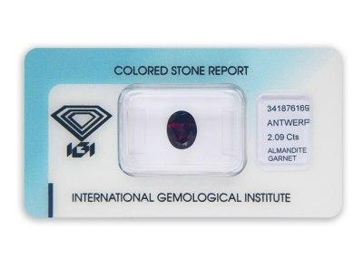 almandin 2.09ct reddish purple s IGI certifikátem