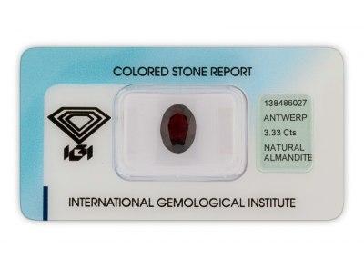 almandin 3.33ct dark brown purple s IGI certifikátem