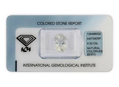 bezbarvý beryl 4.33ct very light yellowish green s IGI certifikátem