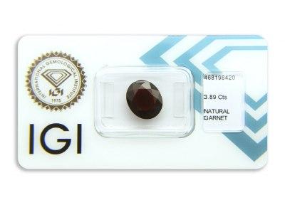 granát 3.89ct deep reddish orange-brown s IGI certifikátem