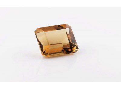kouřový křemen 42.94ct brownish yellow s IGI certifikátem