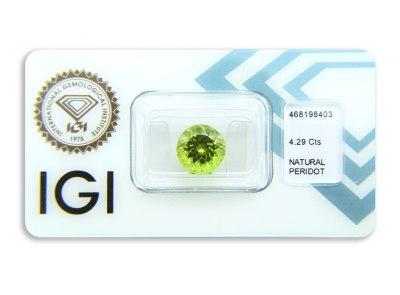 peridot 4.29ct yellowish green s IGI certifikátem