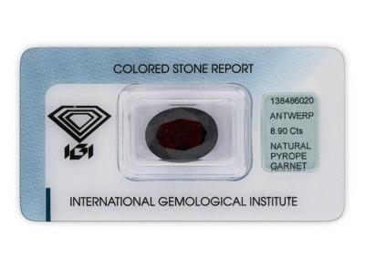 pyrop 8.90ct dark brownish red s IGI certifikátem
