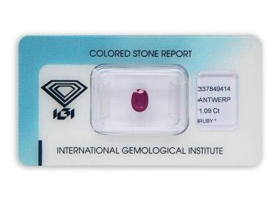 rubín 1.09ct purplish red s IGI certifikátem