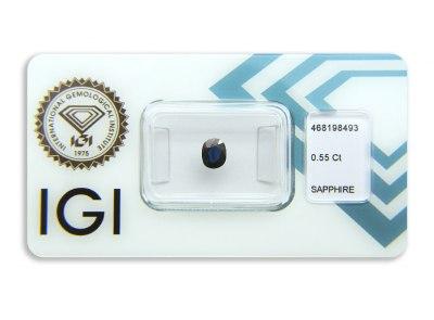 safír 0.55ct deep blue s IGI certifikátem