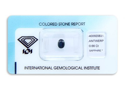 safír 0.66ct greenish blue s IGI certifikátem