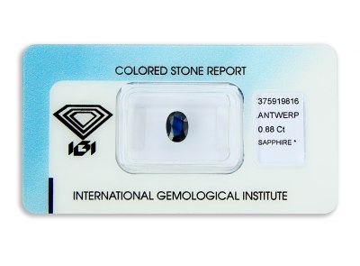 safír 0.88ct deep blue s IGI certifikátem