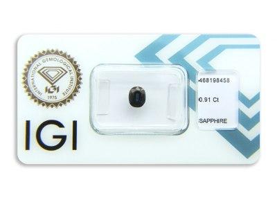 safír 0.91ct deep blue s IGI certifikátem