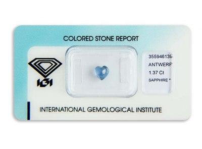 safír 1.37ct blue s IGI certifikátem