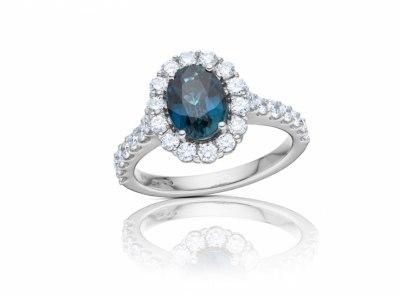 zlatý prsten s diamanty a safírem 1.78ct blue (tepelně neupraven) s IGI certifikátem