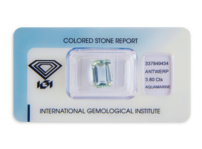 akvamarín 3.80ct light blue s IGI certifikátem