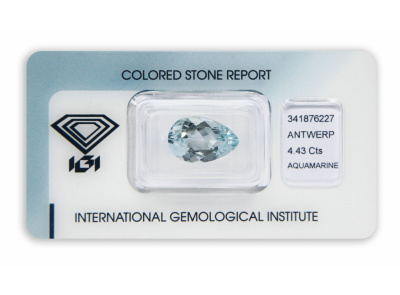 akvamarín 4.43ct light blue s IGI certifikátem