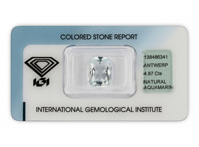 akvamarín 4.87ct very light blue s IGI certifikátem