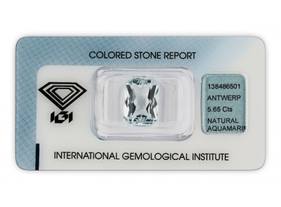 akvamarín 5.65ct very light blue s IGI certifikátem
