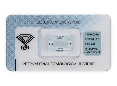 akvamarín 8.67ct light greenish blue s IGI certifikátem