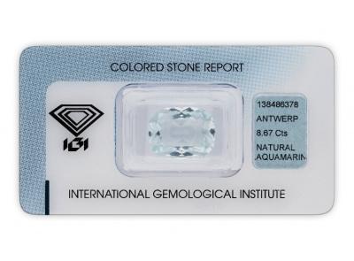 akvamarín 8.67ct light greenish blue s IGI certifikátem