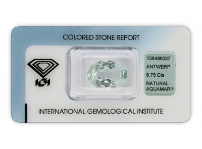 akvamarín 8.75ct light greenish blue s IGI certifikátem