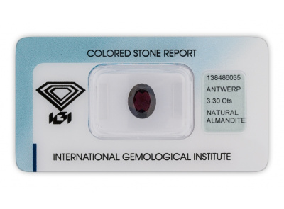 almadin 3.30ct brownish purple s IGI certifikátem