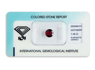 almandin 1.48ct deep reddish purple s IGI certifikátem