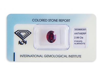 almandin 2.99ct reddish orange s IGI certifikátem