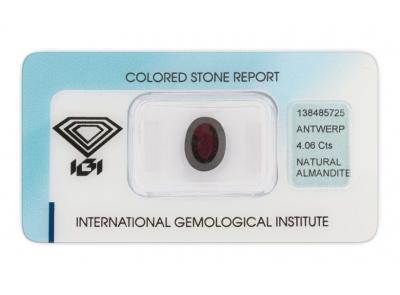 almandin 4.06ct dark purplish red s IGI certifikátem