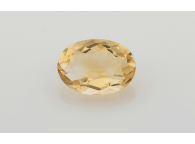 citrín 11.49ct light yellow s IGI certifikátem