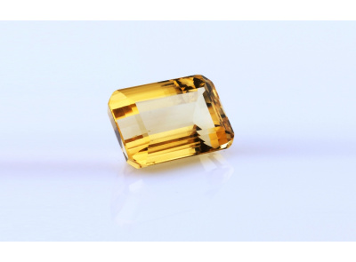 citrín 20.14ct yellow s IGI certifikátem
