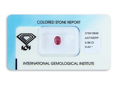 rubín 0.88ct deep purplish red s IGI certifikátem