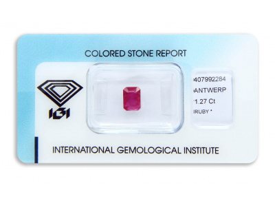 rubín 1.27ct deep purplish pink-red s IGI certifikátem