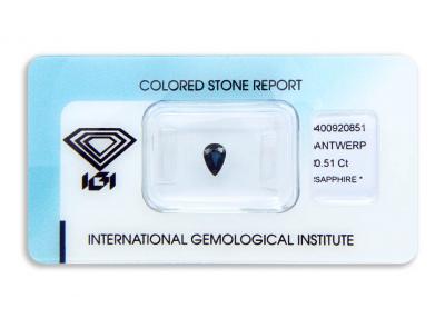 safír 0.51ct deep blue s IGI certifikátem