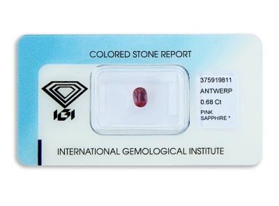 safír 0.68ct deep reddish purple pink s IGI certifikátem