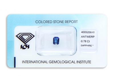 safír 0.78ct deep blue s IGI certifikátem