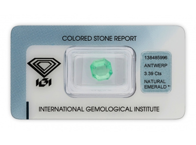 smaragd 3.39ct light green s IGI certifikátem