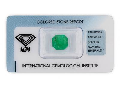 smaragd 3.97ct green s IGI certifikátem
