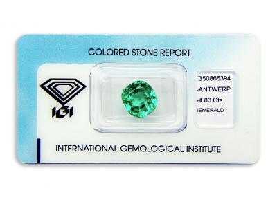 smaragd 4.83ct green s IGI certifikátem