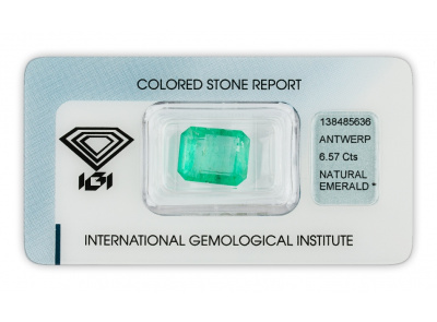 smaragd 6.57ct green s IGI certifikátem