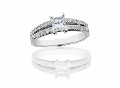 zlatý prsten s diamantem 0.71ct G/VVS2 s HRD certifikátem
