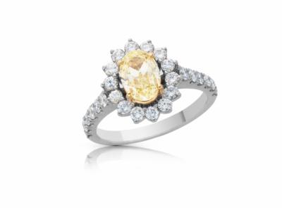 zlatý prsten s diamantem 1.11ct Y-Z/VS1 s GIA certifikátem (celkem 1.97ct)