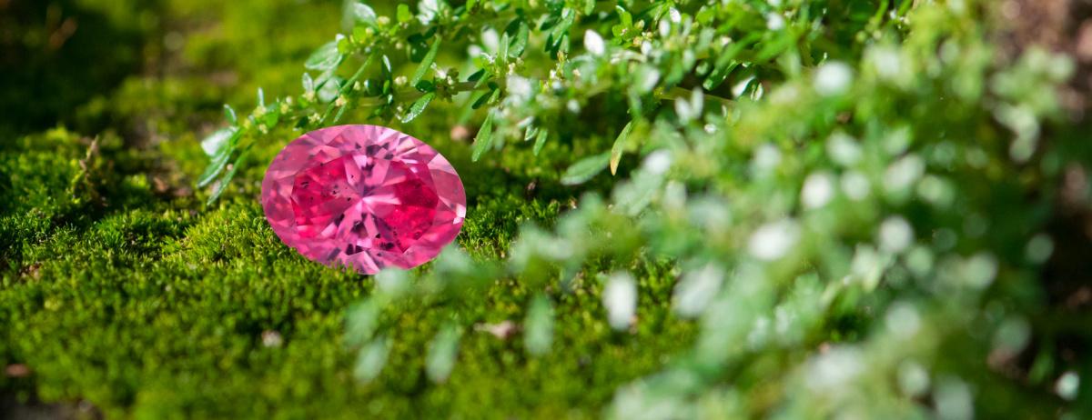 Růžový diamant 0.21ct 2PP Fancy Vivid Purplish Pink/SI2