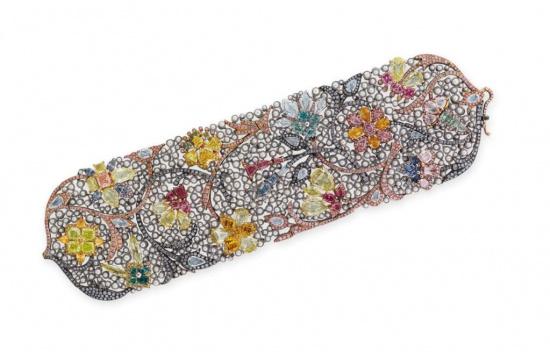 Náramek z barevných diamantů a perel