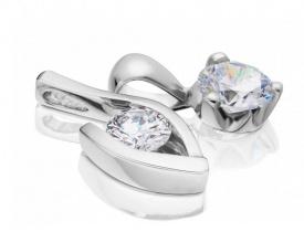 přívěsky s diamantem